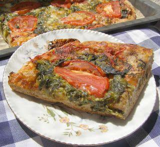 W Mojej Kuchni Lubię.. : pizza żytnio-pszenna ze szpinakiem, czosnkiem, pom...