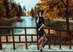 Jesień, Rzeka, Mostek, Kobieta, Drzewa