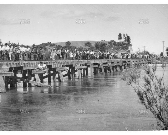 Marcha Campesinos contra el cierre del Ferrocarril - Años 60
