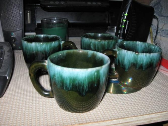 Google Image Result for http://images.canadianlisted.com/nlarge/4-blue-mountain-pottery-mugs_5533854.jpg