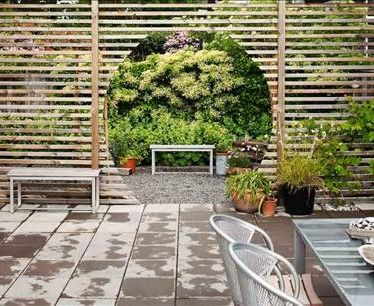 wood horizontal fence Feng shui garden - round off existing archway