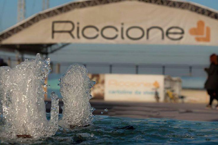 Al mare di Riccione per il weekend del ponte 25 aprile 2014. Venerdì, sabato e domenica tra eventi e divertimento prima dell'estate 2014. Offerta hotel 3 stelle