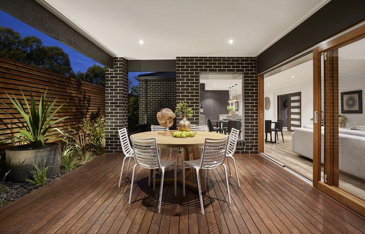 Granvue Homes Premium Series - Melanite Display Alfresco