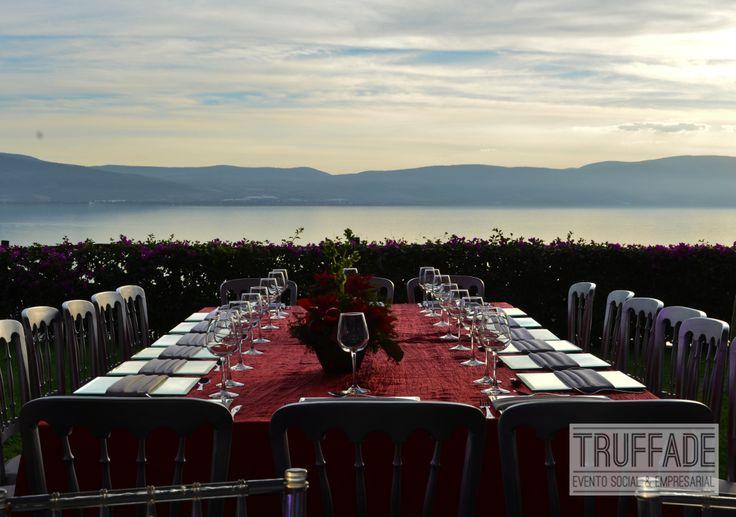 Vista a la laguna de Chapala en evento empresarial