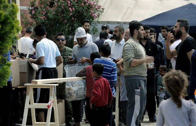 Μπαλάφας: Οι κάτοικοι της Χίου πρέπει να μάθουν να ζουν με τους μετανάστες