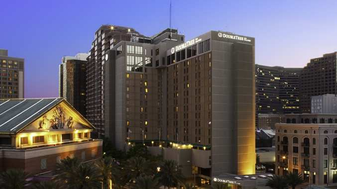 Offering full-service at a premier location overlooking the Mississippi River and business and entertainment districts, located directly across the street from Harrah's Casino and is within walking distance to major New Orleans attractions.