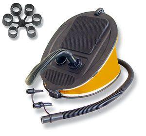 Насос лягушка Bravo 5001F (6065009)  Эта модель ножного насоса с объемом 6,0 литров служит для накачивания надувных аттракционов или небольших надувных лодок и позволяет развивать максимальное давление до 220 мБар. Размеры: 29 х 21 х 7 см. Комплектуется тремя типами штуцеров и набором переходников для различных типов клапанов.