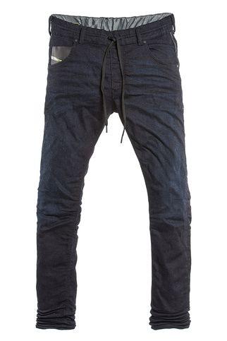 Diesel - modelo Jogg Jeans