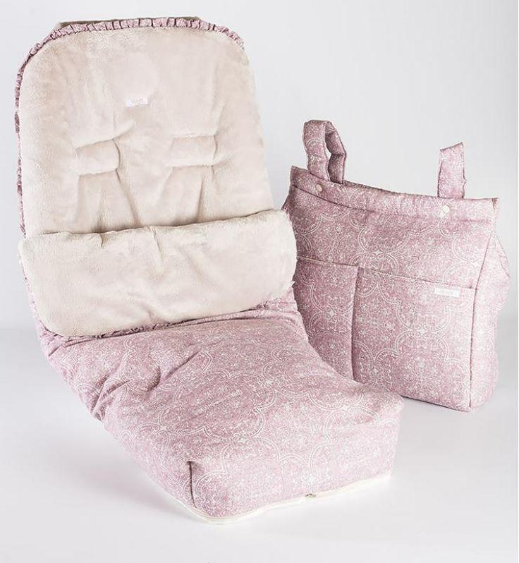 Saco silla con bolsa panera. Irulea Moda infantil y lencería femenina. #irulea #donostia #sansebastian #princesscharlotte #newroyalbaby #bayfashion #modainfantil #Modaniña #lenceria #ropaniños #princesacarlota #ropaverano #cunas #Berceaux #cribs #cochecitosdeniño #poussettes #prams