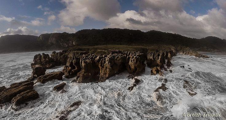 Pancakes Rocks vue par #drone  http://www.breizh-zelande.fr/qui-a-vraiment-decouvert-la-nouvelle-zelande/