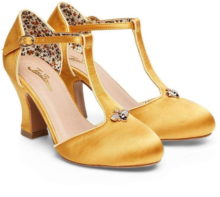Joe Browns Vintage T Bar Shoes With Bumble Bee Embellishment Gold Ad Vintage Bee Bees Shoes Bee Shoes Vintage Inspired Shoes Women Shoes