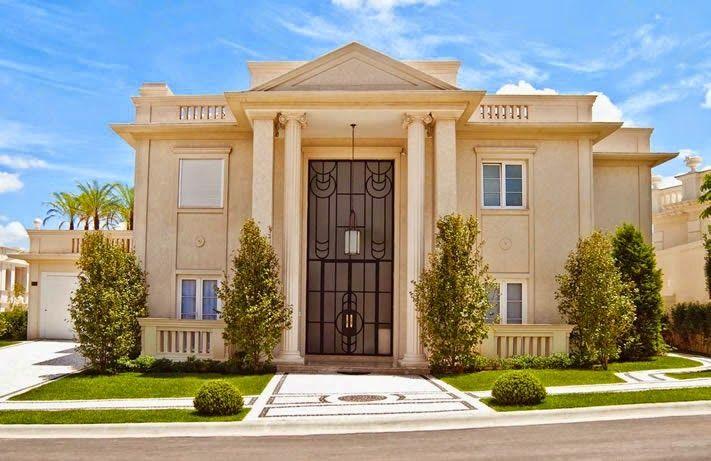 20 fachadas de casas com entradas principais modernas e for Casa classica moderna