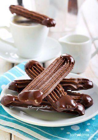 Шоколадные палочки.  Всем это печенье так понравилось, что к вечеру не осталось и крошки. Рецепт очень простой, даже удивительно, что получается так хорошо в итоге! Готовится просто, выглядит симпатично, сахарную пудру в тесто можно класть меньше, обмакивать концы можно и в белый шоколад.  Вам потребуется:  - 115г размягченного масла - 55 сахарной пудры - 125г муки - 1ст.л. какао порошка - 100г шоколада  Как готовить:  1. Взбить масло и пудру. Просеять муку и какао, постепенно добавить в…
