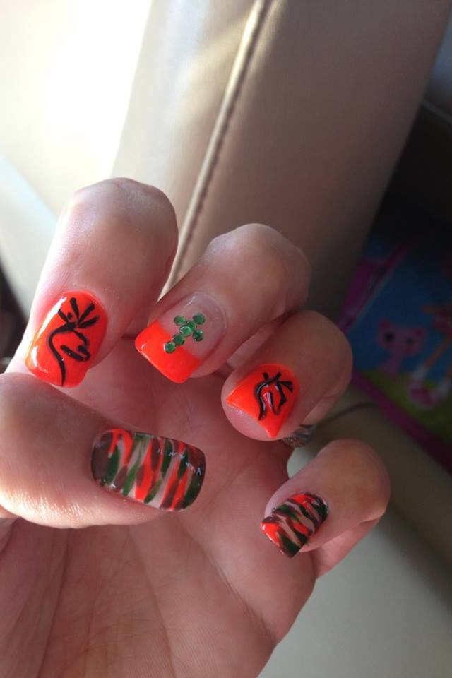 browning/camo Nails love the little cross idea, maybe not in gems though.