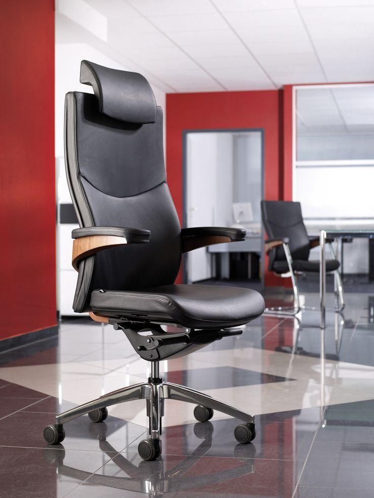 Кресло руководителя ТORO фабрики VIASIT (Германия) - это комфорт на самом высоком уровне. Высокое качество материалов и превосходное мастерство отделки обеспечивает эффект благосостояния, который превосходит любые претензии на офисное кресло руководителя.