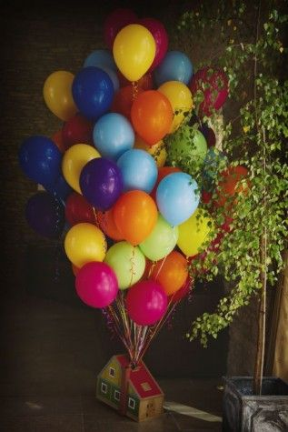 A fun balloon display at a #wedding who's #theme was based on the movie 'Up'. So charming...