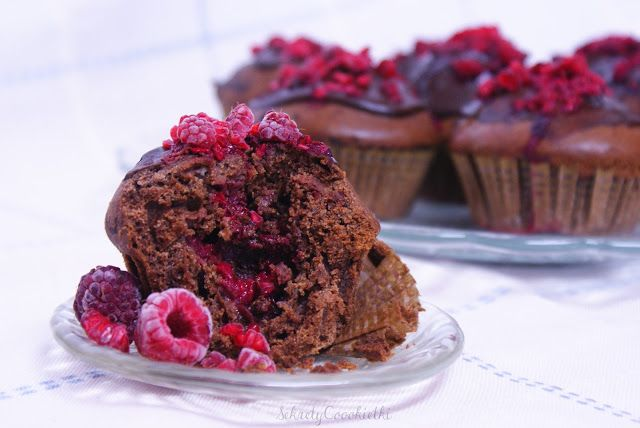Sekrety Cookietki: Czekoladowe muffinki z malinami