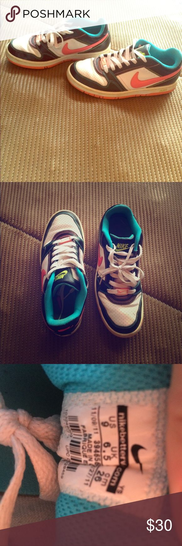 Nike Air Max Women's Nike Air Max good condition Nike Shoes Sneakers