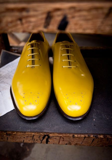 MELLOW YELLOW...  Dear Gawwwwwwwwdddyyyy - Mellow out with a nicer pair of shoes!