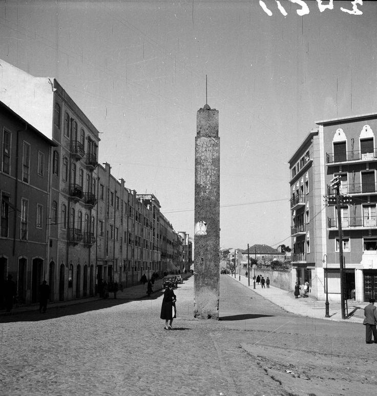 Avª Gen. Roçadas/Rua Castelo Branco Saraiva - 195?