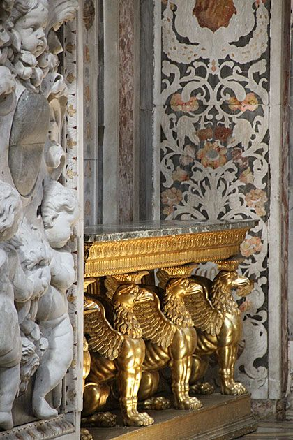 Golden Griffins in Santa Caterina #Palermo
