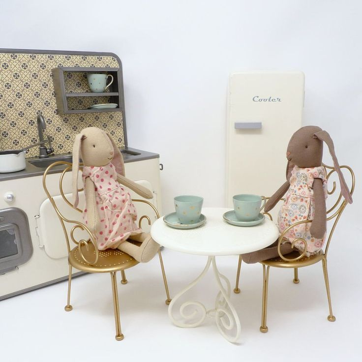 1000 images about maileg on pinterest prams dollhouses and little girl rooms. Black Bedroom Furniture Sets. Home Design Ideas