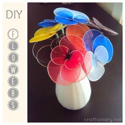 FREE PHOTO TUTORIAL ~ Stocking or Nylon Flowers tutorial - like vintage DIY Flowers from the 70s