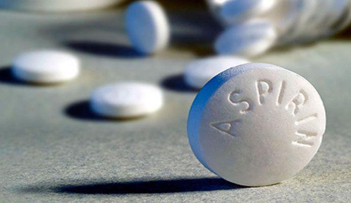 С помощью аспирина твое белое белье станет белее белого! Прощай, серость!