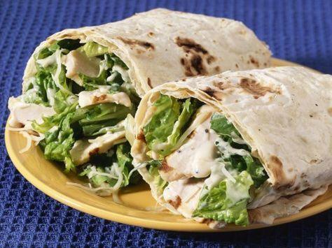 Hähnchen-Wraps mit Römersalat ist ein Rezept mit frischen Zutaten aus der Kategorie Salat. Probieren Sie dieses und weitere Rezepte von EAT SMARTER!
