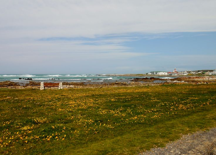 Driving up to the Agulhas Lighthouse