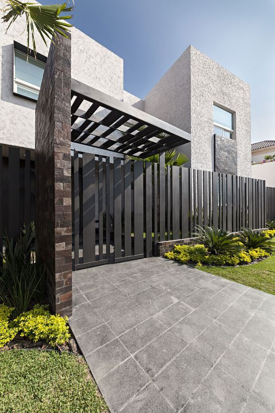 Newest Modern House Design Ideas Home Exterior Decorating Ideas Decorative Modern Entrance Gate Ideas  2016 by http://www.rowcdesign.com/modern-entrance-gate-designs-for-front-of-house-landscape-ideas/exquisite-modern-house-design-with-black-entrance-gate-ideas-for-frontyard-landscape-ideas/