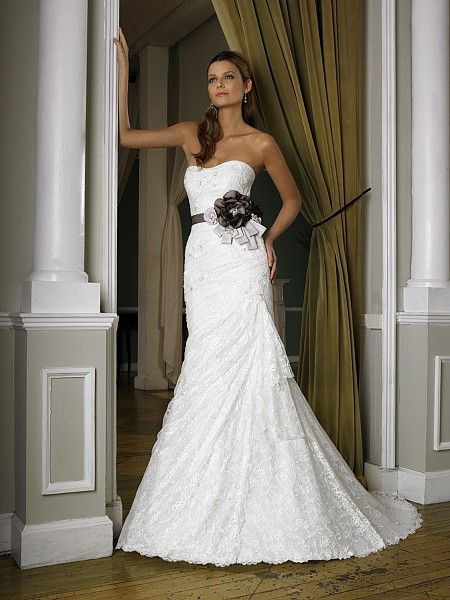 This romantic and timeless mermaid features chantilly and for Cheap wedding dresses syracuse ny
