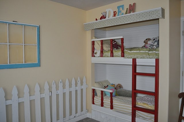 1000 images about multiple beds in one room on pinterest for Small room karen zoid