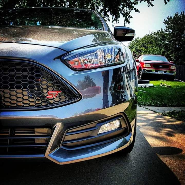 Front Of Ford Focus St 3 In Stealth Grey Colour Cars