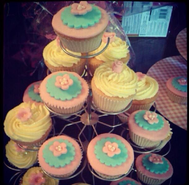 A friends photo of some cupcakes I made for her nans 90th birthday party, three years ago.