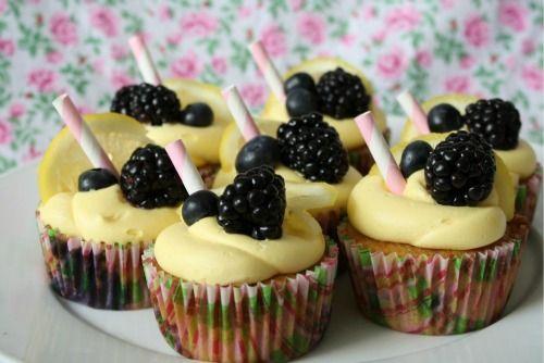 berry lemonade cupcakes :)Berries Cupcakes, Cutest Cupcakes, Sounds Amazing, Blackberries Lemonade, Adorable Ideas, Food, Berry Lemonade Cupcakes, Lemon Cupcakes, Cupcakes Rosa-Choqu