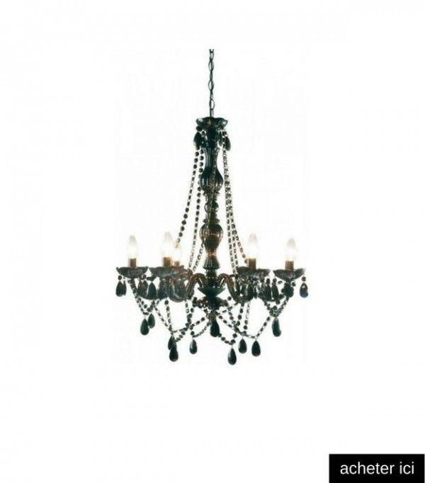 Lustre baroque noir  http://www.homelisty.com/meme-deco-cuisine-campagne-chic-grand-ilot-central/
