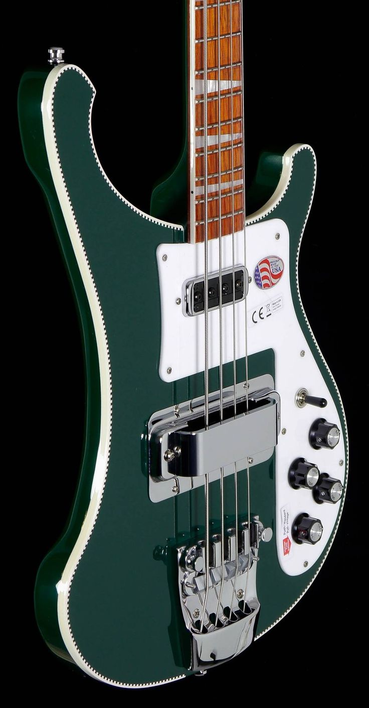 Rickenbacker 4003 in British Racing Green.