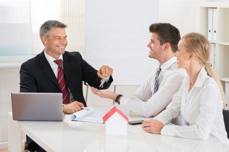 http://soumissionscourtiers.ca/conseils/trouver-un-agent-immobilier/ Trouver un agent immobilier (courtier immobilier) au Québec en comparant commission, service, prix
