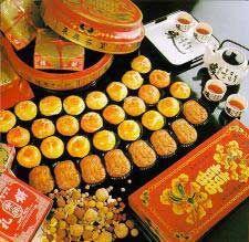Het vrolijkste feest voor de Chinezen. Midherfstfeest oftewel Maanfeest ... Familie komen samen en kinderen mogen met lampionnetjes de straat op.