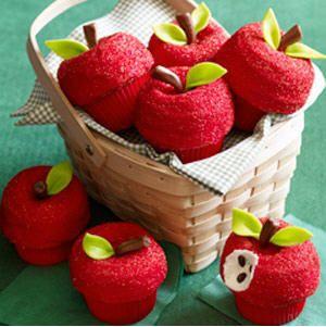 {Recipe} Back to School Apple Cupcakes!