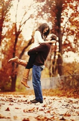 Fall Engagement Photo Shoot and Poses Ideas 43