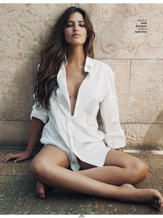 Sara Carbonero - camisa blanca