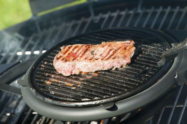 Grille skandynawskie, które wykonane zostały z bardzo mocnej finlandzkiej stali, mają mnóstwo zastosowań, między innymi grillowanie lub wędzenie mięsa, ryb, pieczenie kiełbasek i duszenie potraw. Bardzo porządne rusztowanie pozwala na kładzenie na prawdę ciężkich garnków żeliwnych lub patelni.