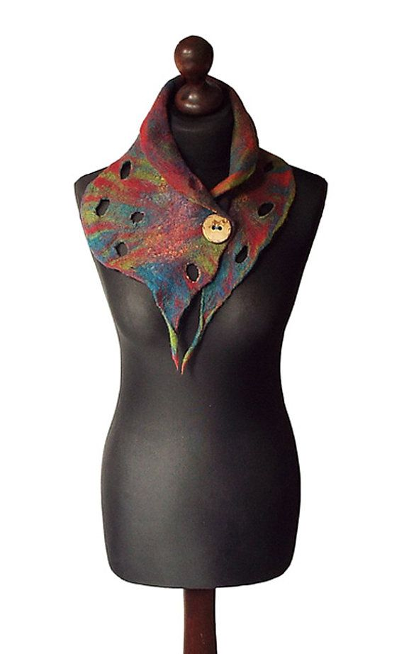 Felted collar made from finest Australian merino wool and hand dyed cotton…