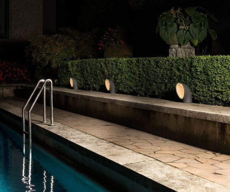 This outdoor light takes ispiration from a steamship: #Piroscafo ► http://bit.ly/Piroscafo #design E. Gismondi © Federico Villa Fotografo