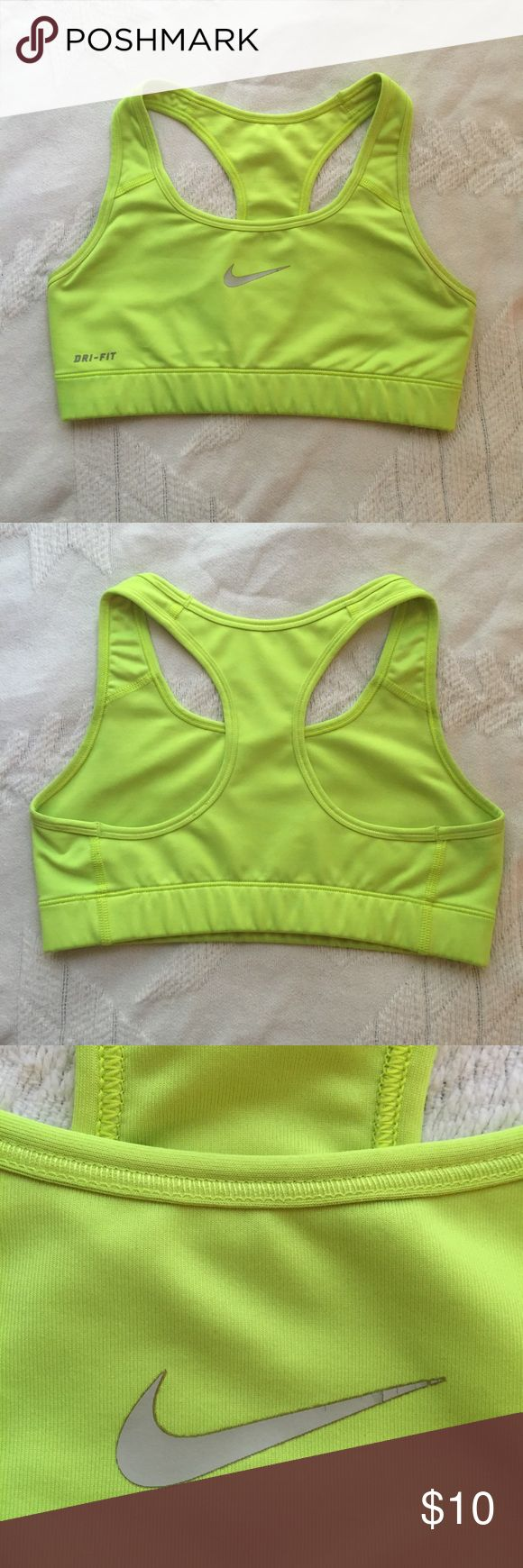 ✔️Nike Sports Bra Durable Nike sports bra. Some slight discoloration (shown in pics) and a slight cracking in the corner of the swoosh, but great, cute sports bra Nike Intimates & Sleepwear Bras