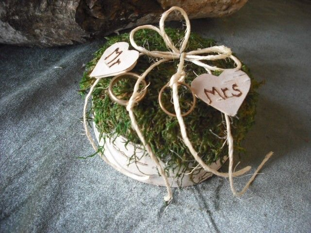 Birch bark and moss ring bearer pillow with engraved hearts, for your woodland nature, eco friendly, fairytail wedding.