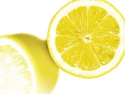 Die Kur wirkt blutdrucksenkend, gefäßreinigend und entgiftend. Zutaten: 5 Unbehandelte Zitronen 30 Knoblauchzehen 850ml Wasser Vorgehensweise: Zitronen waschen, kleinschneiden. Knoblauchzehen enthä…