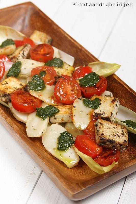 Aardperen met tomaatjes en tofu feta (via Bloglovin.com )